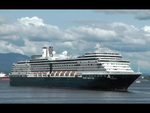 Cruise ships in Vancouver, British Columbia