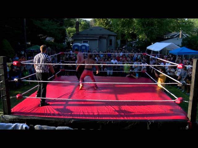 BYB 2015 - Johnny Turbo vs. Justin Charge