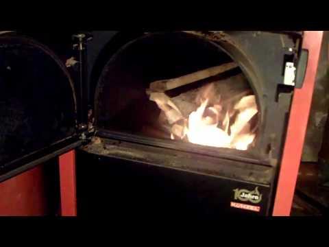hot tub badezuber mit holz heizen probelauf und fazit funnycat tv. Black Bedroom Furniture Sets. Home Design Ideas