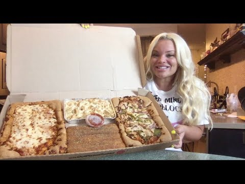 TRYING PIZZA HUT'S BIG DINNER BOX ! thumbnail