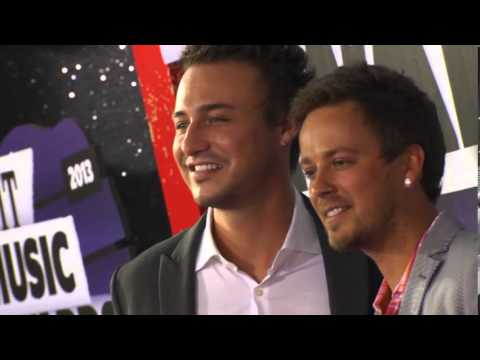 Stephen Barker Liles & Eric Gunderson, Love and theft