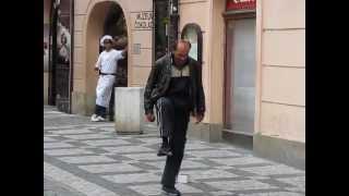 Классный танец на улице в Праге.(, 2013-02-09T20:23:31.000Z)