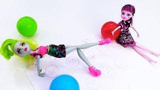 Школа гимнастики Барби - Лагуна Файер учится растяжке