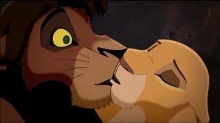 O Rei Leão 2 - Kovu e Kiara se Beijam Acidentalmente