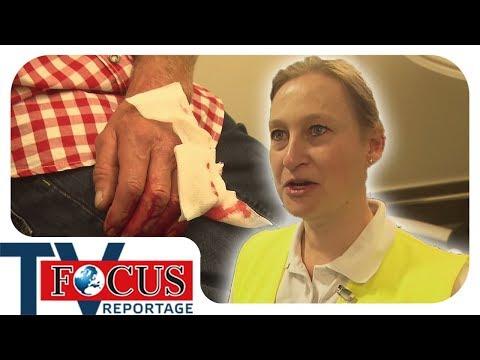 Einsatz Oktoberfest: unterwegs mit den Wiesn-Sanitätern - Focus TV Reportage