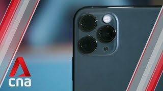 iPhone 11 Pro Max hands-on: Slowfie, ultra-wide lens, bright display   CNA Lifestyle