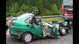 Download Video DEADLY road Accidents on high speed in Russia! Compilation MP3 3GP MP4
