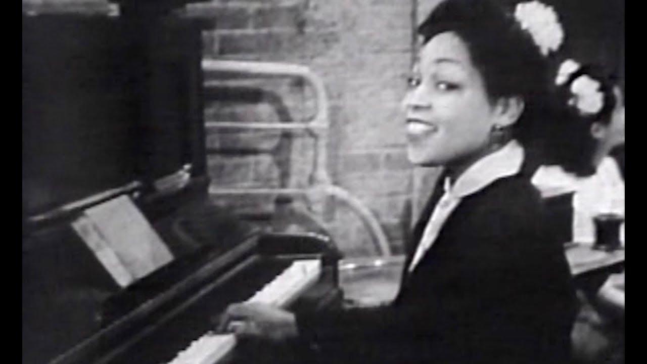 Lynn Albritton - Dispossessed Blues (1943) | Soundies Harlem Dancers