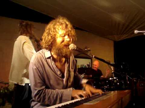 Si do mhaimeo i~The Hothouse Flowers~as Gaeilge