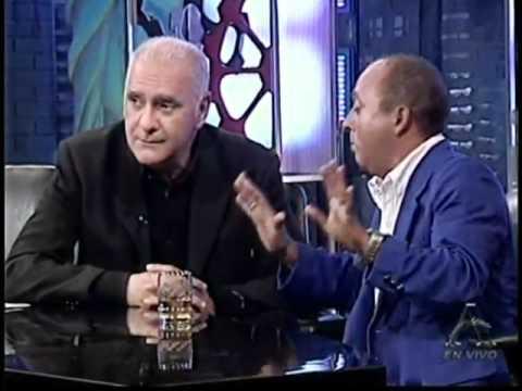 Bacan habla con Carlos Otero