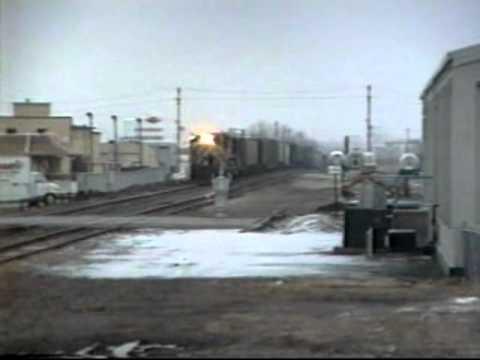 BN westbound freight train in Bismarck ND