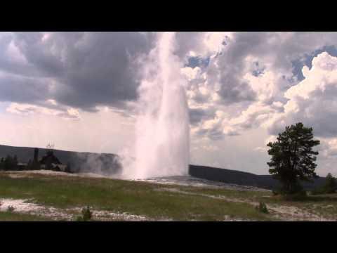 Yellowstone National park Old faithful geyser fountain