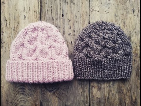 Вязаная шапка розовая спицами