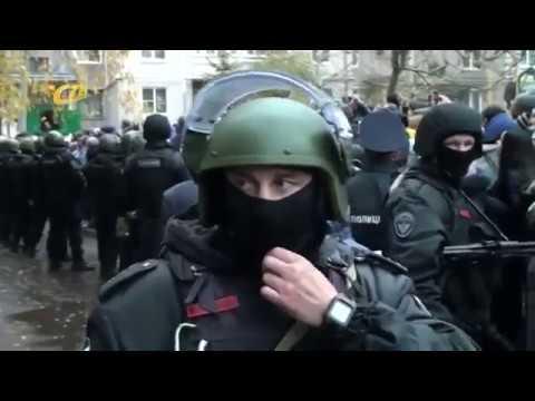 """Разъярённой толпе показали педофила. Фрагмент ©СТВ """"Будни"""" Железногорск"""