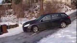 Subaru Legacy med friktionsdäck / Subaru Legacy with non-studded tyres on ice