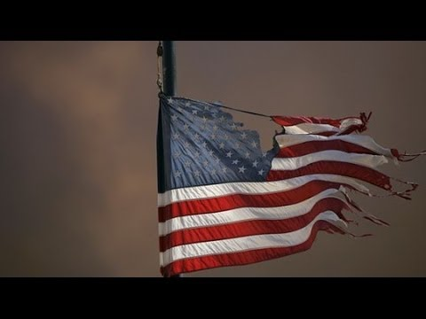 GERALD CELENTE - WARNS of COLLAPSE of AMERICA in 2014. SHEEPLE need to WAKE UP