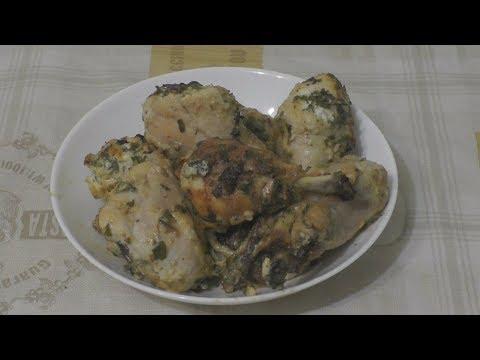 Куриная голень в сметане с чесноком