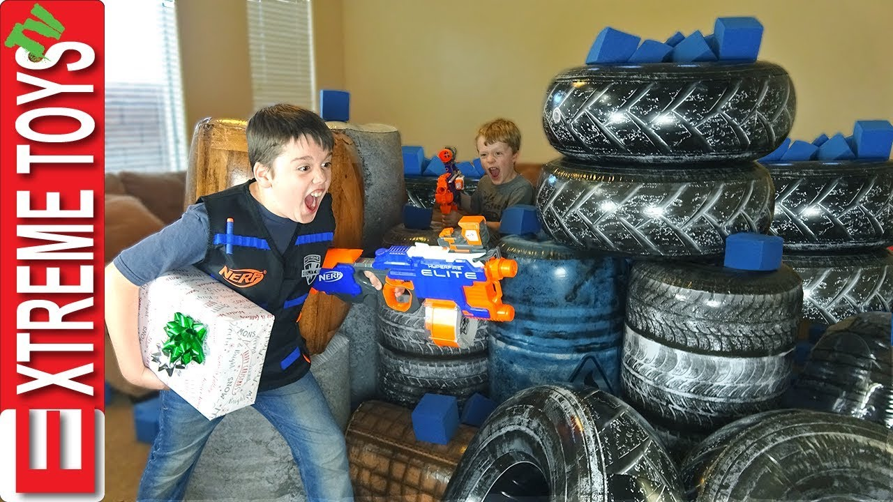 Battle Bunkerz Nerf Blaster Attack! The Missing Christmas Present.