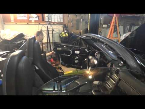 Replacing door latch on Porsche  987 Boxster.mp4