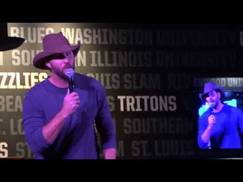 Adam Wainwright hosts charity karaoke night