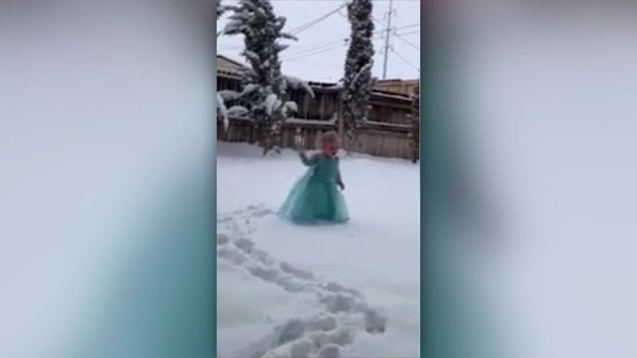 Texas girl reacts to seeing first snow by busting out 'Let It Go'