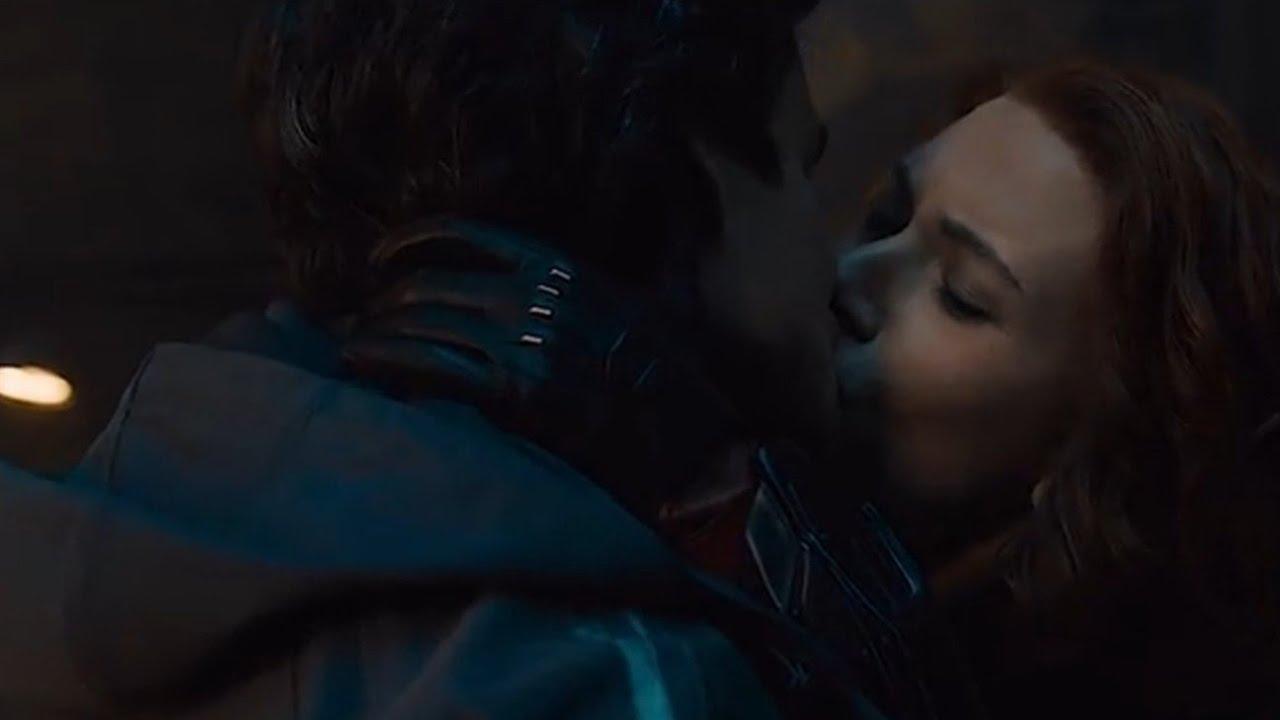 NATASHA ROMANOFF (BLACK WIDOW) KISSES BRUCE BANNER (HULK) - YouTube