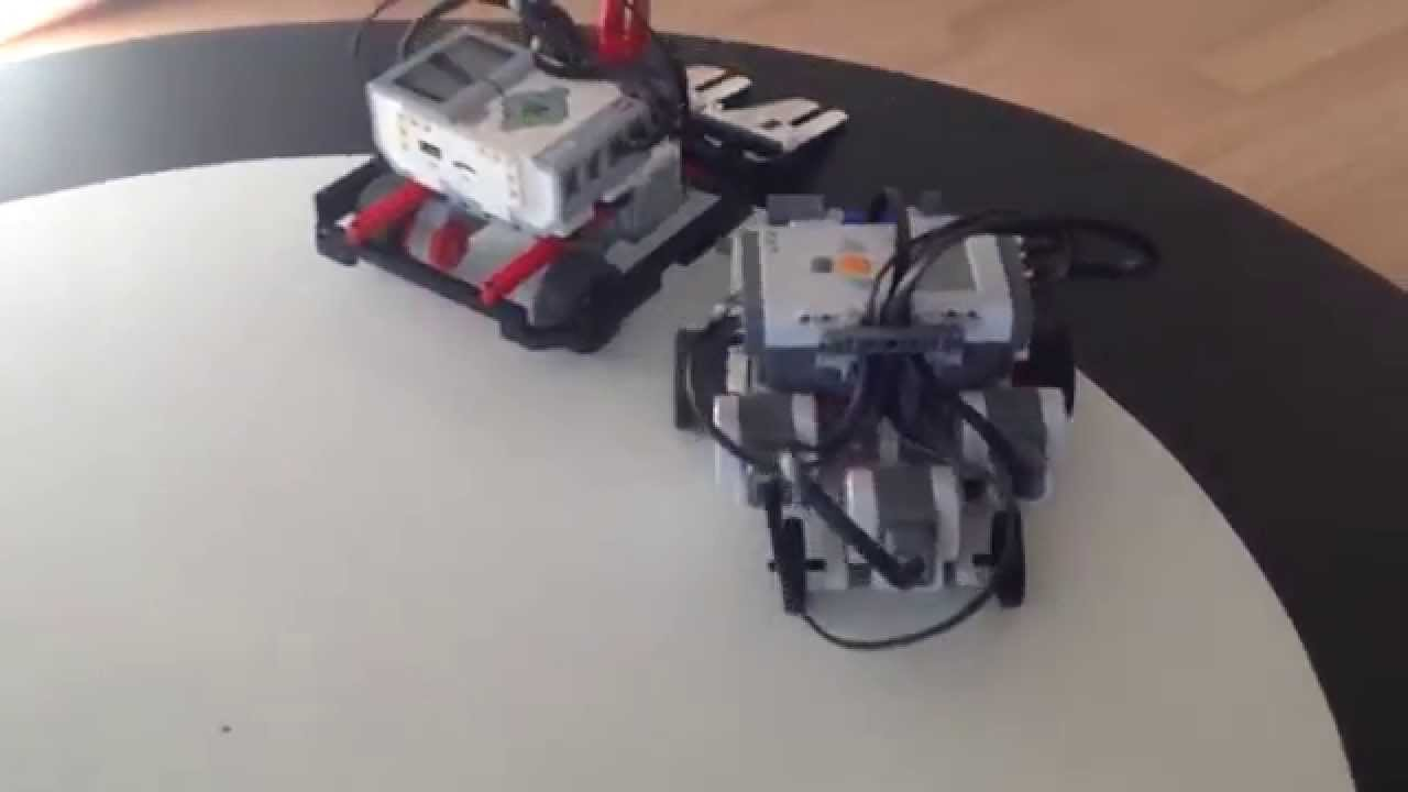 Mindstorms NXT vs EV3 sumo fight!