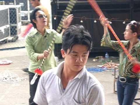 Anh Vũ Linh tập vũ đạo cho Bình Tinh