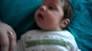 Ianis - Discutie aprinsa cu tati (4 luni)