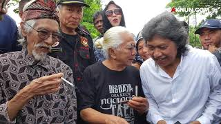 Sambutan Cak Nun di Pemakaman Mas Yon Koeswoyo