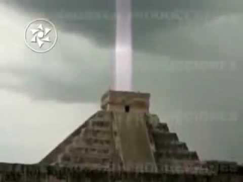 Ufo Light Beam Alien Contact Maya Chichen Itza Pyramid Hd
