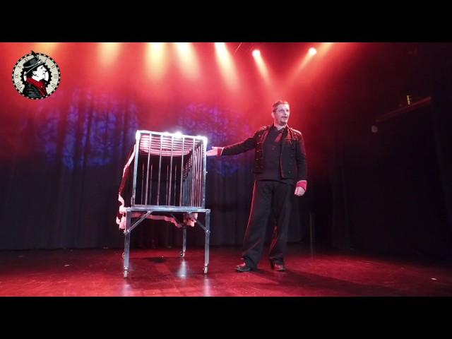 Cage en feu - Apparition d'une personne du public - Grandes Illusions