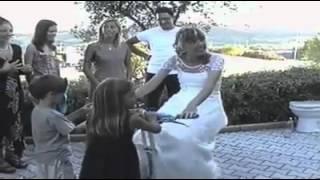 Неудачные падения на свадьбе