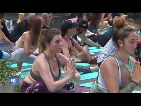 Yoga en Times Square
