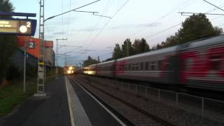 [VR / RZD] Express train nr. 31 pulled by 2 class sr 1 electric locomotives from Helsinki to...