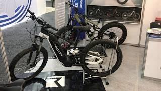 Электро велосипед c кареточным мотором и электро фэтбайк на выставке электротранспорта в Южной Корее