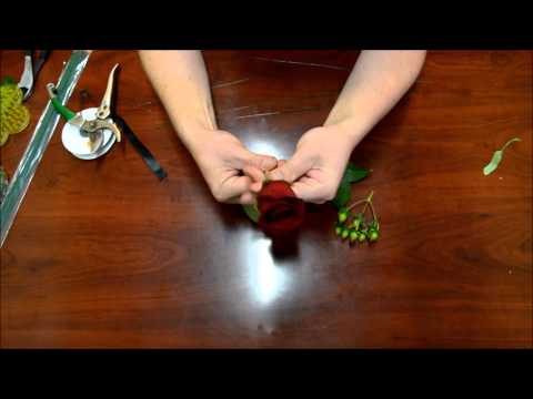 how-to:-boutonniere-for-a-wedding-or-prom