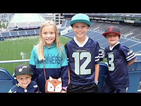 🏈FIRST NFL STADIUM TOUR 🏈 Touring Seattle Seahawks CenturyLink Field