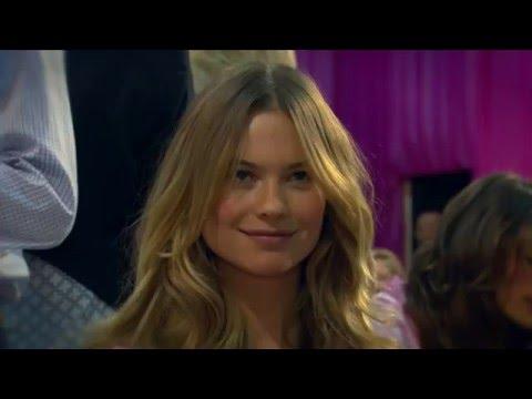 TNT | Carol Ribeiro no Victoria's Secret Fashion Show