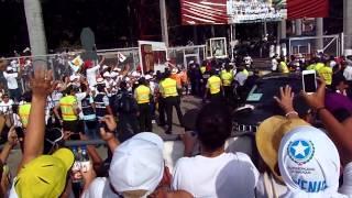 Salida del Papa Francisco del Colegio Javier cortesia de Tiffany Guerrero