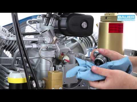 Oil Change - BAUER MARINER - YouTube