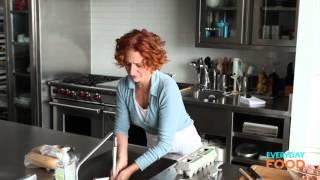 Meatballs with Garlic Bread   Everyday Food with Sarah Carey