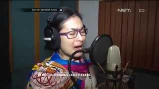 Video Iis Dahlia Rekaman Lagu Terbaru Berjudul Cinta Apalah Apalah download MP3, 3GP, MP4, WEBM, AVI, FLV Maret 2018