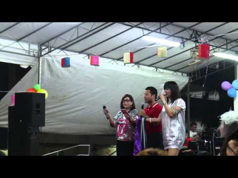 Mvi 9829 4 MOS Mr Desmond Lee(Minister of State for National Development) sing 一剪梅(费玉清)