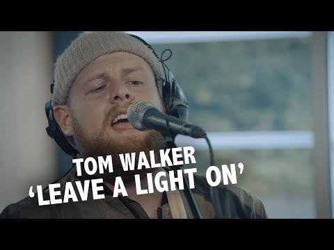 Tom Walker - 'Leave A Light On' (acoustic) Live @ Ekdom In De Ochtend