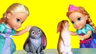 Gambar cover PETS ! Elsa and Anna toddlers at school - spelling - Barbie is the teacher