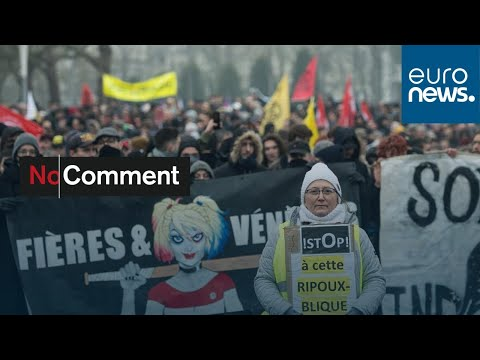 شاهد: تواصل المظاهرات في فرنسا ضد قانون إصلاح أنظمة التقاعد…  - نشر قبل 3 ساعة