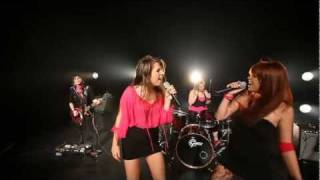Vidéo promotionnel du groupe CoverGirls composé de cinq filles fais...