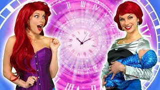 DISNEY PRINCESS TIME TRAVELERS. (Ariel, Jasmine, Belle, Anna and Elsa See Their Future) Totally TV