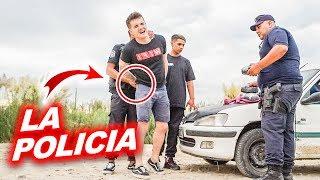 ME DETIENEN POR CONDUCIR EN ARGENTINA!! *viene la policia*